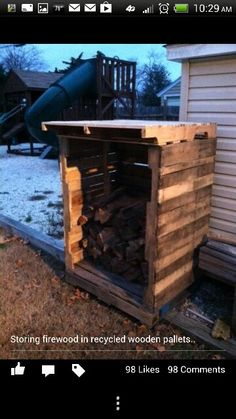 Mini wood shed made with old pallets! what a great idea