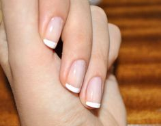 what is a french manicure