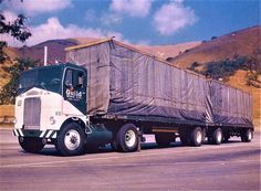 660 Old Trucking Companies Ideas In 2021 Trucking Companies Big Trucks Vintage Trucks