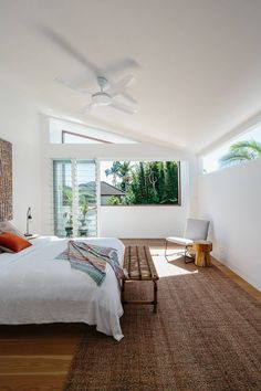 Byron Bay Sun House by Davis Architects Bedroom Colors, Bedroom Sets, Home Bedroom, Home Design Decor, House Design, Interior Design, Home Decor, Bachelor Pad Bedroom, Sun House