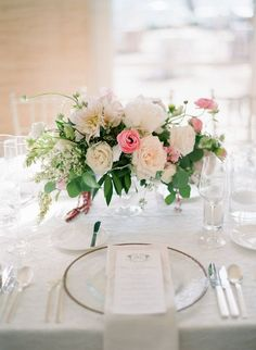 What a romantic table centre...you could easily create this yourself with our DIY flowers. Visit us at www.theflowermonger.co.uk