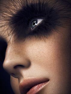 Monochromatic Makeup Portraits - Vanessa Cruz by Yulia Gorbachenko Looks Like a Black Swan (GALLERY) Eye Photography, Photography Gallery, Fashion Photography, Monochrome Photography, Artistic Photography, Vanessa Cruz, Monochromatic Makeup, Behance, Make Up Art
