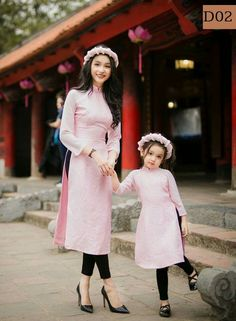 Dpz for girls Stylish Dresses For Girls, Stylish Girl Pic, Ao Dai, Mom Daughter Matching Outfits, Mommy Daughter Dresses, Kids Blouse Designs, Mother Daughter Fashion, Kurti Designs Party Wear, Family Outfits