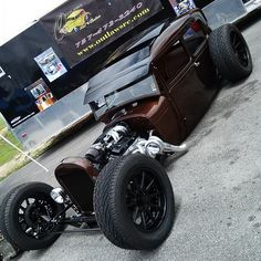 mccheesepants:  #Chevrolet #ford #ratrod