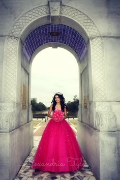 Photo By: Alexandria Tyler Quince Photography, Quince Photo Ideas, Quince Pictures at Herman Park, Houston Quince Photographer, Quinceañera Photos, quinceanera ideas, quinceanera photos