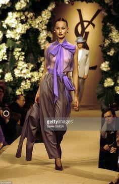 Yves Saint Laurent Haute couture printemps /été 1999. Getty Images.