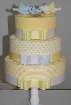 Bolo Fake tecido Wedding Cakes With Cupcakes, Cupcake Cakes, Bolo Artificial, Bolo Fake Eva, Bolo Fack, Dummy Cake, Fake Cake, Bird Party, Candy Crafts