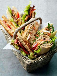 En Piknik behøver ikke å være avansert - noen deilige baguetter med god drikke blir et godt måltid