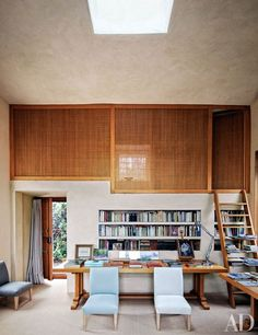 Landscape Designer Fernando Carucho's Airy Studio in Madrid - The Kiosk features a skylit private office and sleeping loft; the linen-clad chairs and hazel-wood tables are Fernando Caruncho designs. Architectural Digest, Interior Design Inspiration, Home Decor Inspiration, Sleeping Loft, Home And Deco, Interiores Design, Interior Architecture, Home Office, Building A House