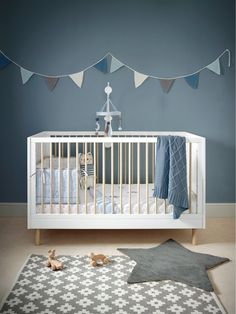 Mamas and Papas Juno cotbed is just what you need to inject some Scandi style into your nursery. With it's contrasting spindles and the fact you can turn it into a toddler bed as your little one grows it's bound to be a talking point in their bedroom for years to come. And what's more you can also pair it with pieces from Mamas and Papas Lawson collection to create a nursery unique to you.Depth: 750 MMHeight: 910 MMMaterial Content: Materials - Engineered Board with Pine Feet. Cotbed base…
