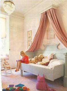 @Jennifer Page: Cute idea I saw online for a girl's room...if she doesn't steal this idea...I might...lol. JK. It is really cute though :)