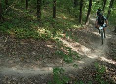 Binder Lake Mountain Bike Trail in Jefferson City, Missouri || SINGLETRACKS.COM