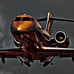 Private jets are the most luxurious means of travel. Find the best private jets and personal aircraft anywhere in the aviation world here. Jets Privés De Luxe, Luxury Jets, Luxury Private Jets, Private Plane, Avion Jet, Cabin Crew Jobs, Jet Privé, 3d Modelle, Jet Plane