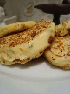 Galettes de pomme de terre à la ciboulette et au fromage frais