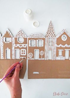 How to make a ginger house decor with recycled cardboard - Ohoh Deco #diy #christmas #village #cardboard #gingerbread #recycled #recycling #cardboardbox #kidcraft #houseDecorating