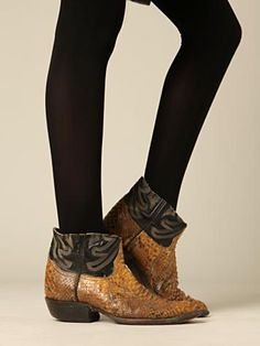 vintage boots - I'm a Texas girl, what can I say...