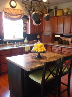 Traditional Kitchen Log Cabin Decorating Design, Pictures, Remodel, Decor and Ideas - page 32