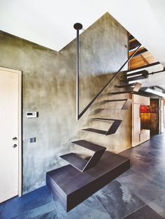 A Bachelor Pad Floating Stairs! Metalic!