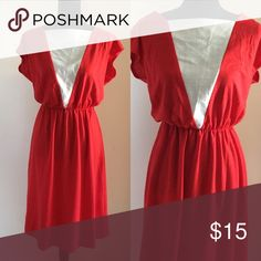 """Simple Vintage Dress Red and white casual Vintage dress with elastic waist waist 28"""" but has extreme stretch 😊 can stretch to 34"""" Vintage Dresses"""