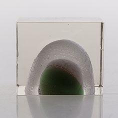 OIVA TOIKKA - Special Cube for Nuutajärvi Notsjö, Finland.  [h. 4 cm] Glass Design, Design Art, Bukowski, New Pins, Glass Bottles, Finland, Modern Contemporary, Cube, Glass Art