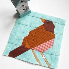 Block 251 - Robin Redbreast.  I really must pay more attention when piecing tricky little robin blocks for #thesplendidsampler .  Will have another attempt tomorrow and will follow the pattern exactly! #patchsmithbad2016