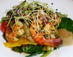 Salade de crevettes aux agrumes et petits légumes frais Japchae, Shrimp, Chicken, Meat, Ethnic Recipes, Panne, Mille, Food, Eten