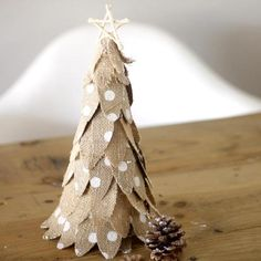 Christmas Time, Diy, Boho, Paper, Small Christmas Trees, Beetles, House Decorations, Fabrics, Little Cottages