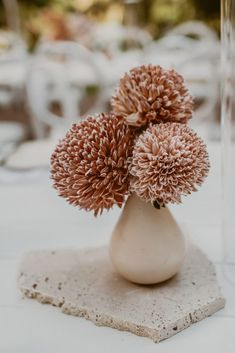 A sentimental wedding spilling with dried foliage and exotic blooms exquisitely styled in desertscape hues. Floral Wedding, Wedding Bouquets, Wedding Flowers, Wedding Colors, Lakeside Wedding, Destination Wedding, Wedding Planning, Vase Design, Floral Design