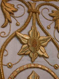 Chasuble Vestment Silk Gold N°116  Chasuble Vestment Gold N°116  Exquisite ,Chasuble Vestment Gold Broccade metalic gold , two pieces.  This is a really beautiful antique Chasuble.  Circa 1900-1920.