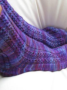 Feuerland - Melierte Socken mit Zopfmuster  pattern by Verena Design Team
