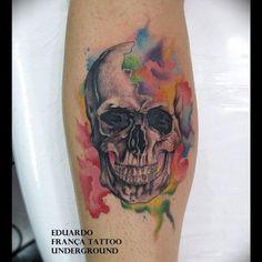 Watercolor Skull Tattoo by Eduardo França Crocci Pretty Skull Tattoos, Love Tattoos, Hand Tattoos, Tattoos For Guys, Tatoos, Half Sleeve Tattoos Designs, Tattoo Designs, Define Tattoo, Watercolor Tattoo Sleeve