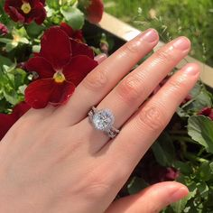 Louilyjewelry offers a beautiful collection of wedding sets for your special day at affordable price. Wedding Sets, Wedding Rings, Halo 2, Beautiful Engagement Rings, Jewelry Rings, Jewellery, 925 Silver, Vines, Art Deco