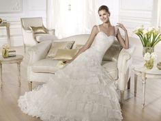 Oleiro - Pronovias 2014 - Esküvői ruhák - Ananász Szalon - esküvői, menyasszonyi és alkalmi ruhaszalon Budapesten