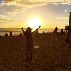 【882297_】さんのInstagramをピンしています。 《#hawaii #waikiki #waikikibeach  #oahu #ハワイ #ワイキキ #ホノルル #オアフ島 #海 #南国 #ocean #beach #genic_hawaii #genic_beach #findtravel  #travel  #trip #hi #hawaiian #sunset》
