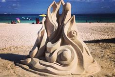 Escultura en la arena