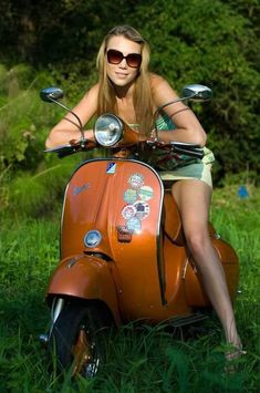 A page Dedicated to Scooter Culture and all theSubcultures and Scooters related to it ,Mod Skinhead, Scooterboy, Psychobilly. Vespa and Lambretta, I also post pictures of pretty girls in various states of undress. Vespa Motor Scooters, Piaggio Vespa, Lambretta Scooter, Scooter Motorcycle, Retro Scooter, Vespa Vintage, Jorge Martinez, Harley Davidson, Biker Girl