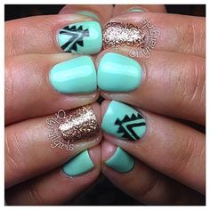 Love the gold and mint