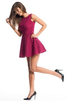İroni Lazer Kesimli Vişne Rengi Mini Elbise