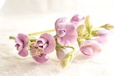 Ready to Ship. Sweet pea. pale purple. Hair alice band polymer clay flower. All flowers made from polymer clay ClayCraft by Deco.  All flowers are