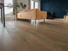 Geborstelde houten vloer cm brede planken gerookte vloerdelen