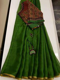 Best 12 What's app for orders 9047090885 pure linen designer blouse – SkillOfKing. Simple Sarees, Trendy Sarees, Stylish Sarees, Fancy Sarees, Party Wear Sarees, Saree Blouse Patterns, Sari Blouse Designs, Salwar Designs, Chiffon Saree