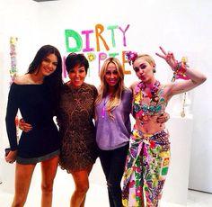 """Miley: """"#dirtyhippie zzzz """""""