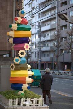 New street art sculpture fun Ideas Graffiti, Art Et Design, Amazing Street Art, Outdoor Art, Public Art, Installation Art, Art Installations, Urban Art, Colored Pencils