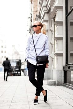 Ponytail, sunglasses, and slip-on shoes…perfect for sightseeing or lunch with friends.