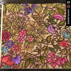 Cores de outono! #Repost @nomeuladob ・・・ 🍃🍂🌿🌸🍃🍂🌸🍂🍃🌿 Meu jardim de outono!!! ✔️done 😉😊😍 #secretGarden #jardimSecreto #jardinSecret #colorindoAVida #colouringBook #colouriagePourAdultes #johannaBasford #artecomoterapia #colorfulMoment #noMeuLadoB #autumnLeaves #autumn 🎨 Canetinha: #tombowBrushPen #stabilo88 e #stabilo68 Lápis: pastel seco #faberCastell e giz pastel seco #mungyo #johannabasford #johannabasfordsecretgarden #florestaencantada #arttherapy #arteterapiacriativa…