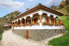 Minunată casa tradițională de la Dâmbovicioara! Cu adevărat Dor de Suflet!