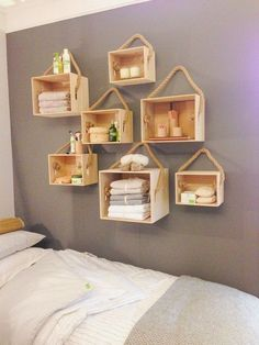Most Pinned DIY Storage and Decoration Ideas 2020 DIY Projects When you're looking for DIY storage ideas, you'll find that you have a lot of options. It's possible to build your own shelves, or you can pick out wh. Cute Home Decor, Easy Home Decor, Home Decor Bedroom, Diy Room Decor, Pallet Furniture, Furniture Making, Home Furniture, Rustic Furniture, Living Furniture