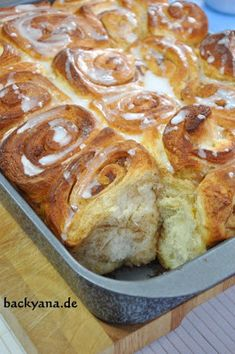 Backen mit Backyana: Amerikanische Zimtschnecken nach Cynthia Barcomi/ American cinnamon rolls cynthia Barcomi style