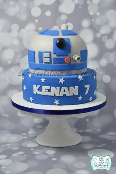 Star Wars Cake by Les Tentations de Camille - Star Wars Cookie - Ideas of Star Wars Cookie - Star Wars Cake by Les Tentations de Camille Star Wars Cookies, Star Wars Cake Toppers, Star Wars Party, Star Wars Birthday Cake, 7th Birthday, Birthday Cakes, Birthday Ideas, Bolo Star Wars, Star Wars Bb8
