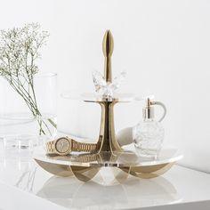 Enjoy today! #newweek #monday #gold #white #beandliv #lilycakestand #swarovski #swarovskicrystals